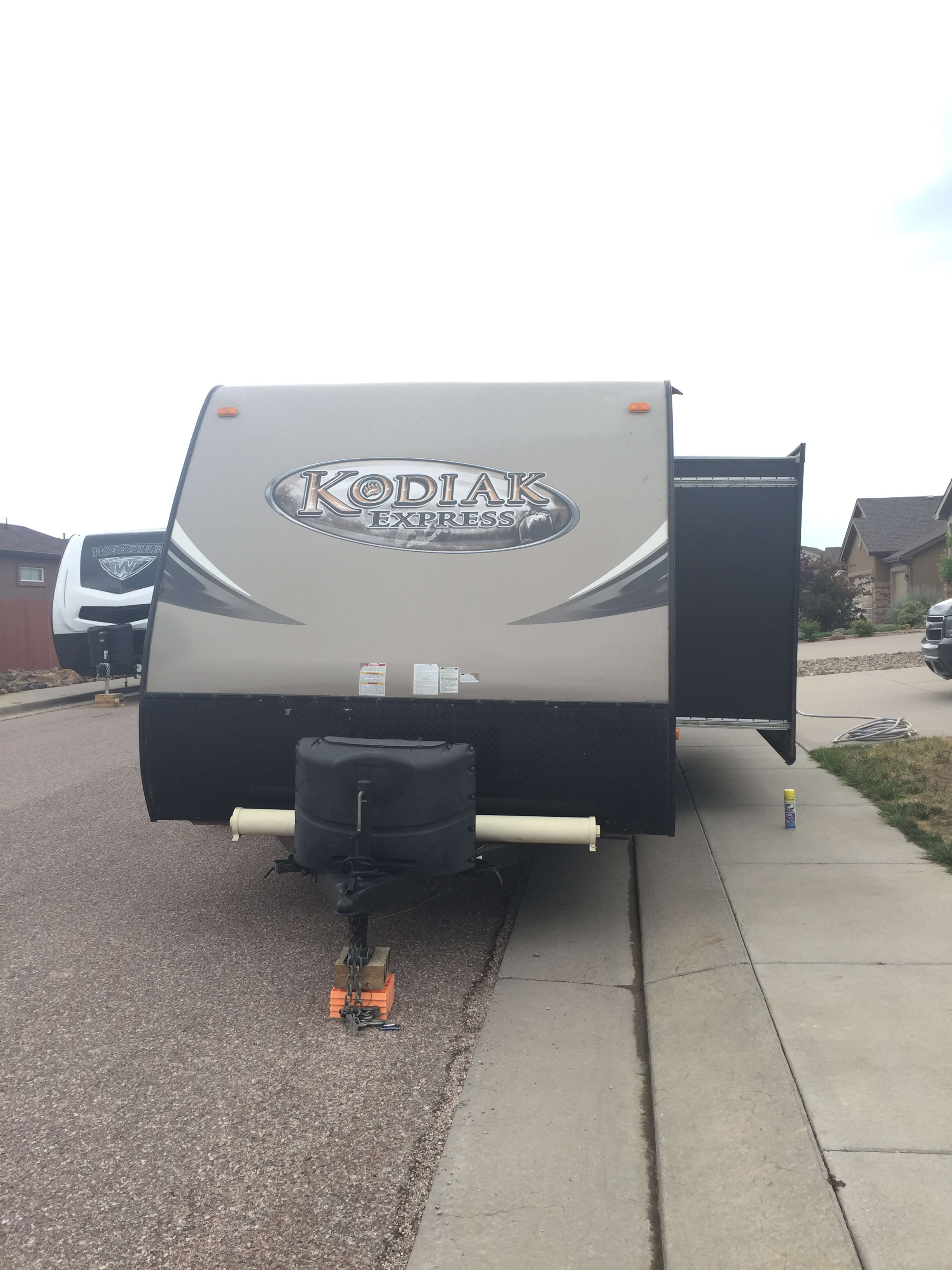 Front view with slide out. Dutchmen Kodiak 2015