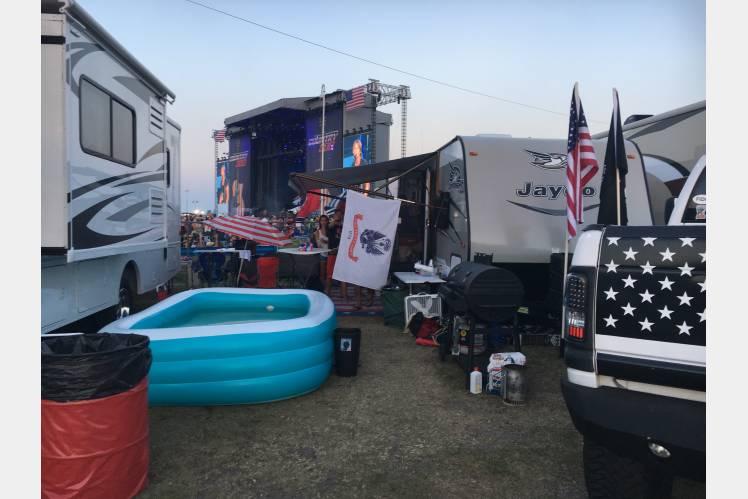 Country 500 Music Festival . Jayco Jay Flight 2017