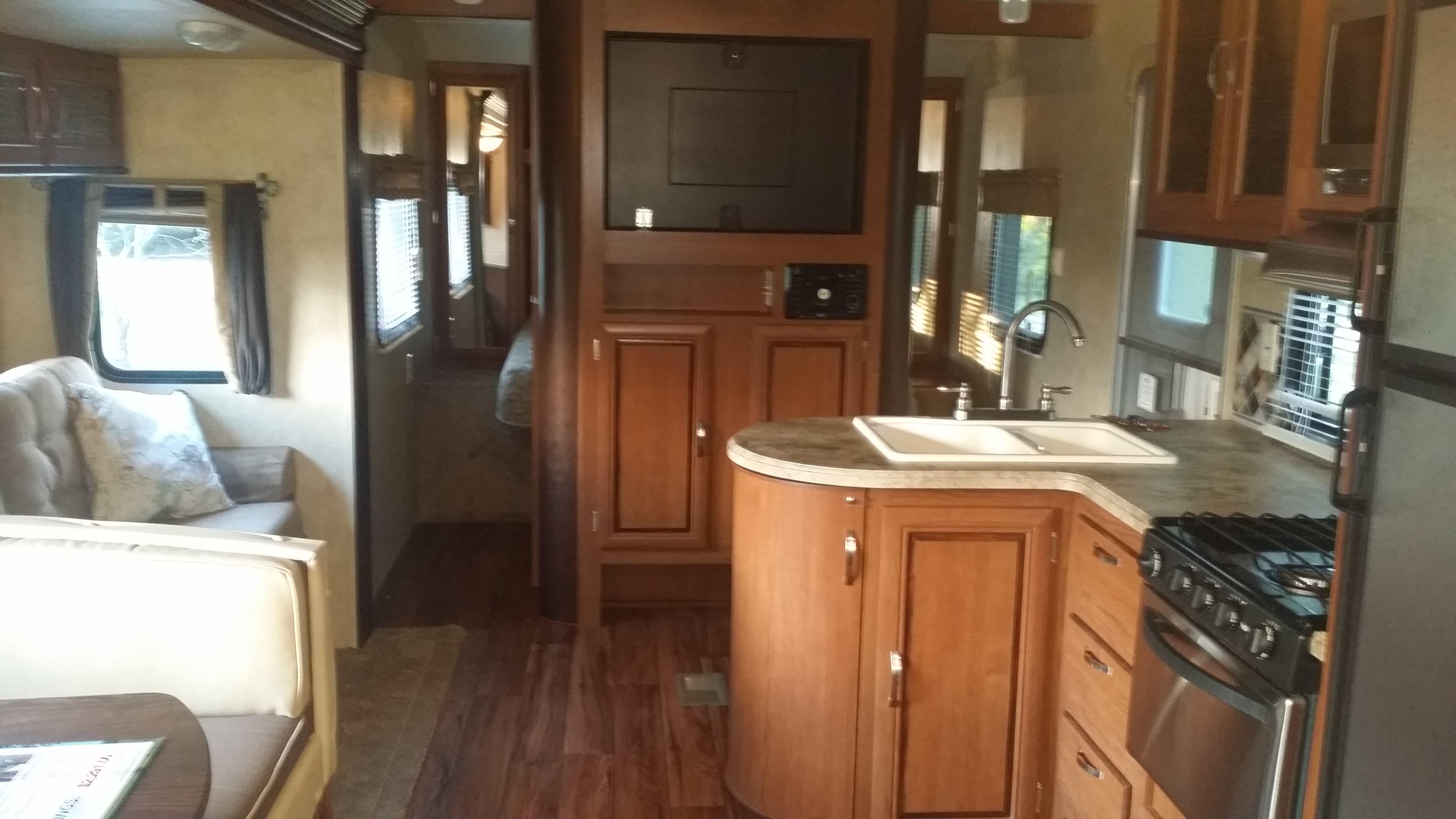 Living Area / Kitchen. Forest River Salem 2016