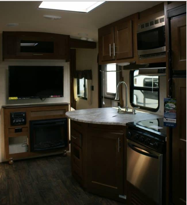 2017 Wildcat Maxx Living Room TV Kitchen. Forest River Wildcat Maxx 2017