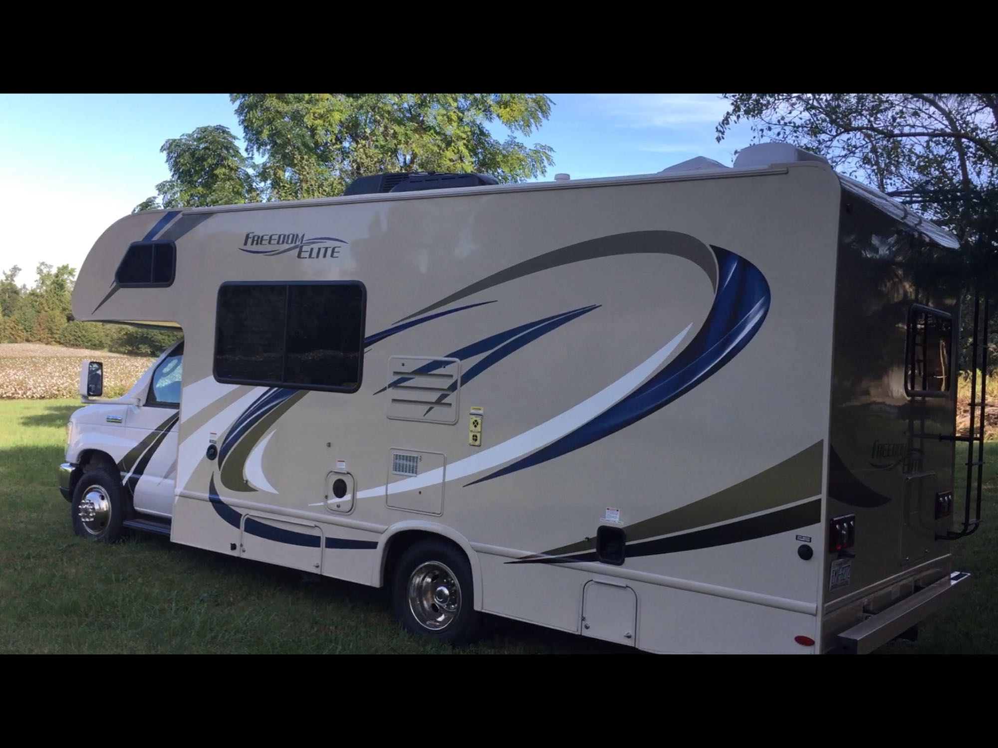 Parked at home.. Thor Motor Coach Freedom Elite 2018