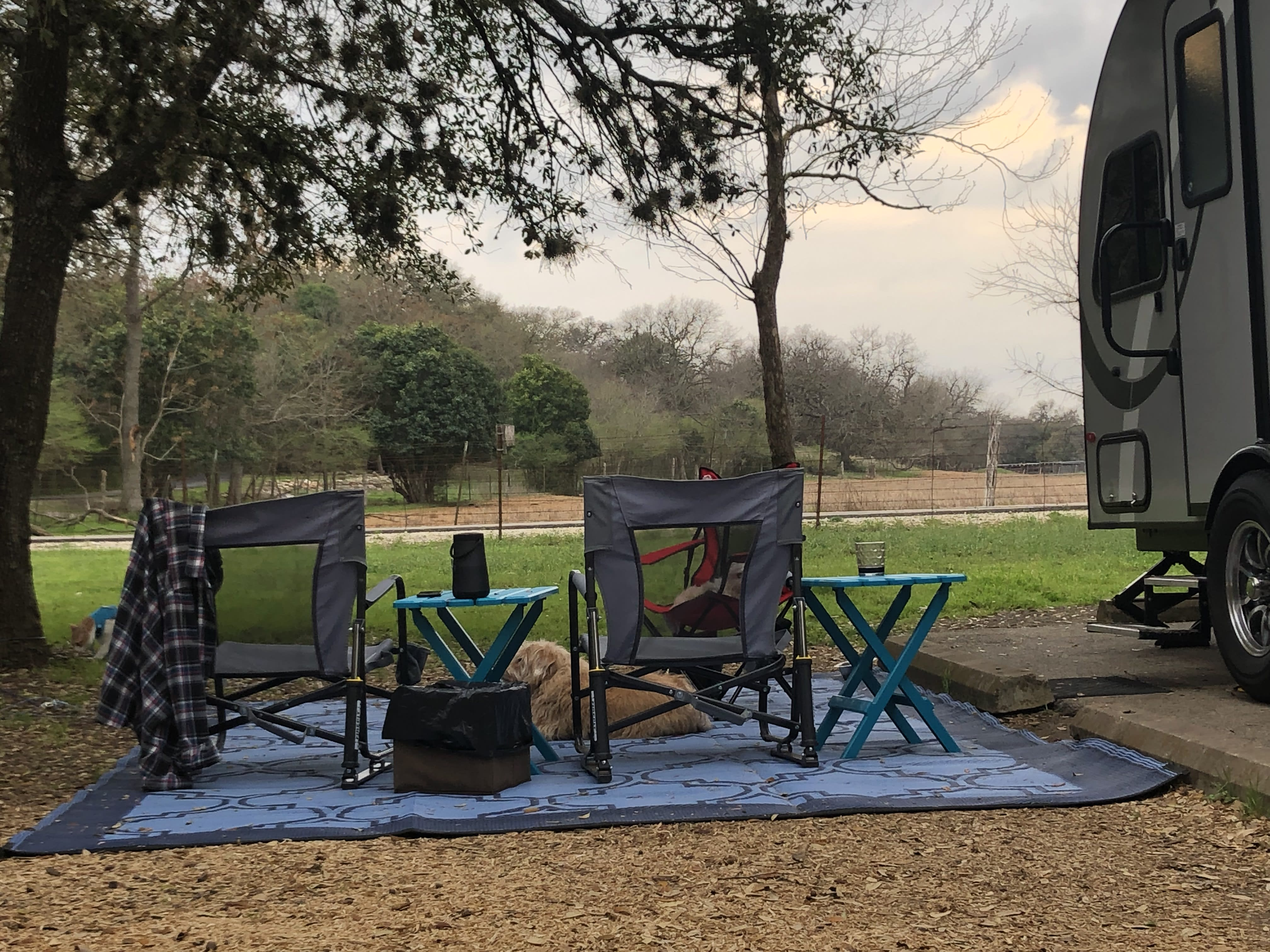 Includes outdoor rug, chairs, and tables.. Forest River R-Pod 2019