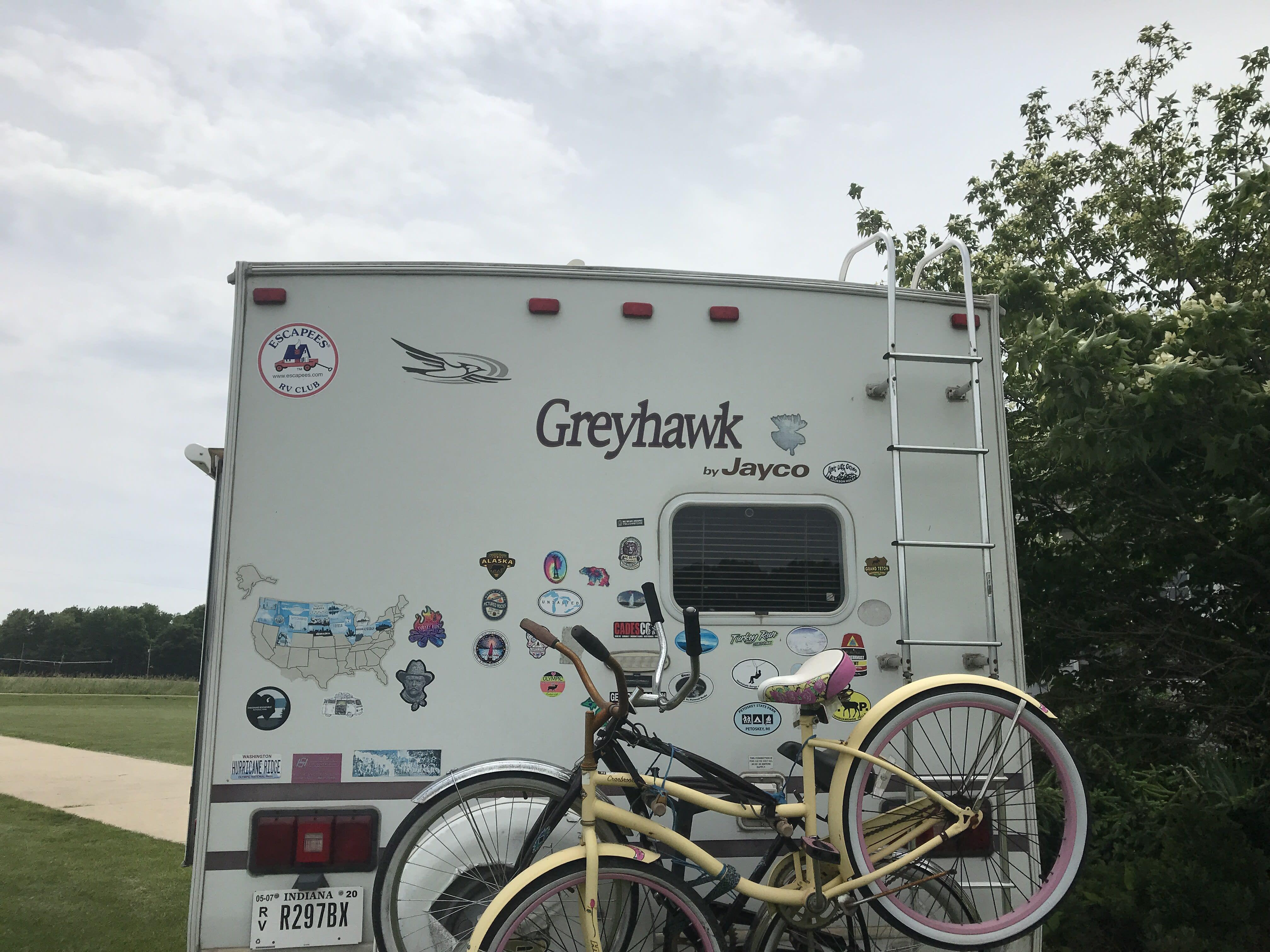 Bike rack holds two bikes. Jayco Greyhawk 24SS 2003