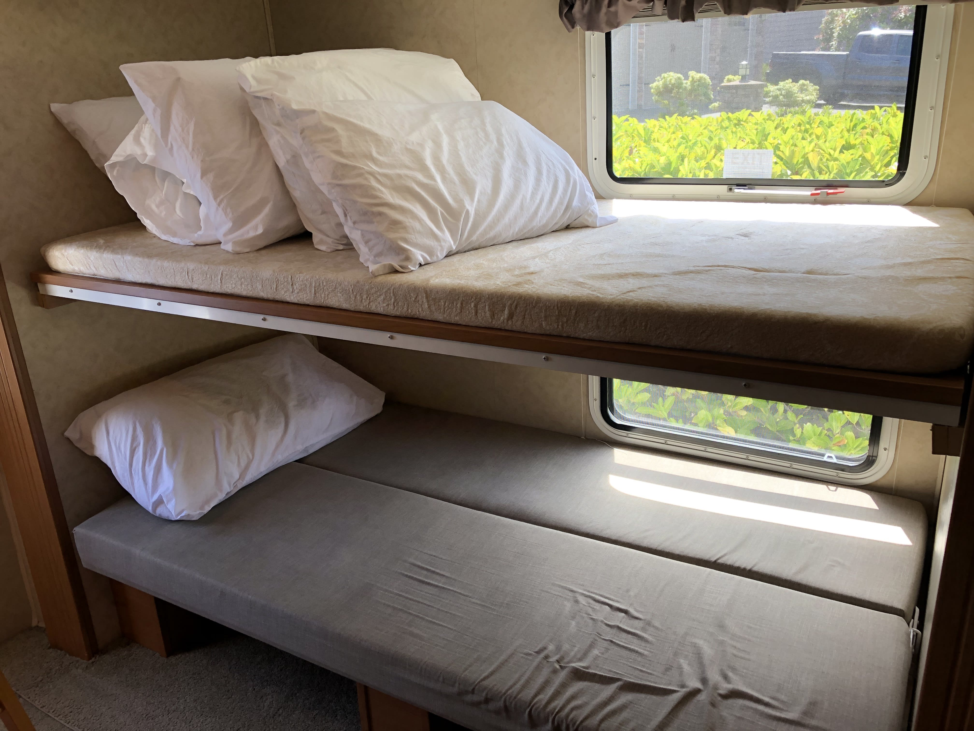 Bunk beds for the kids. Dutchmen Denali 2007