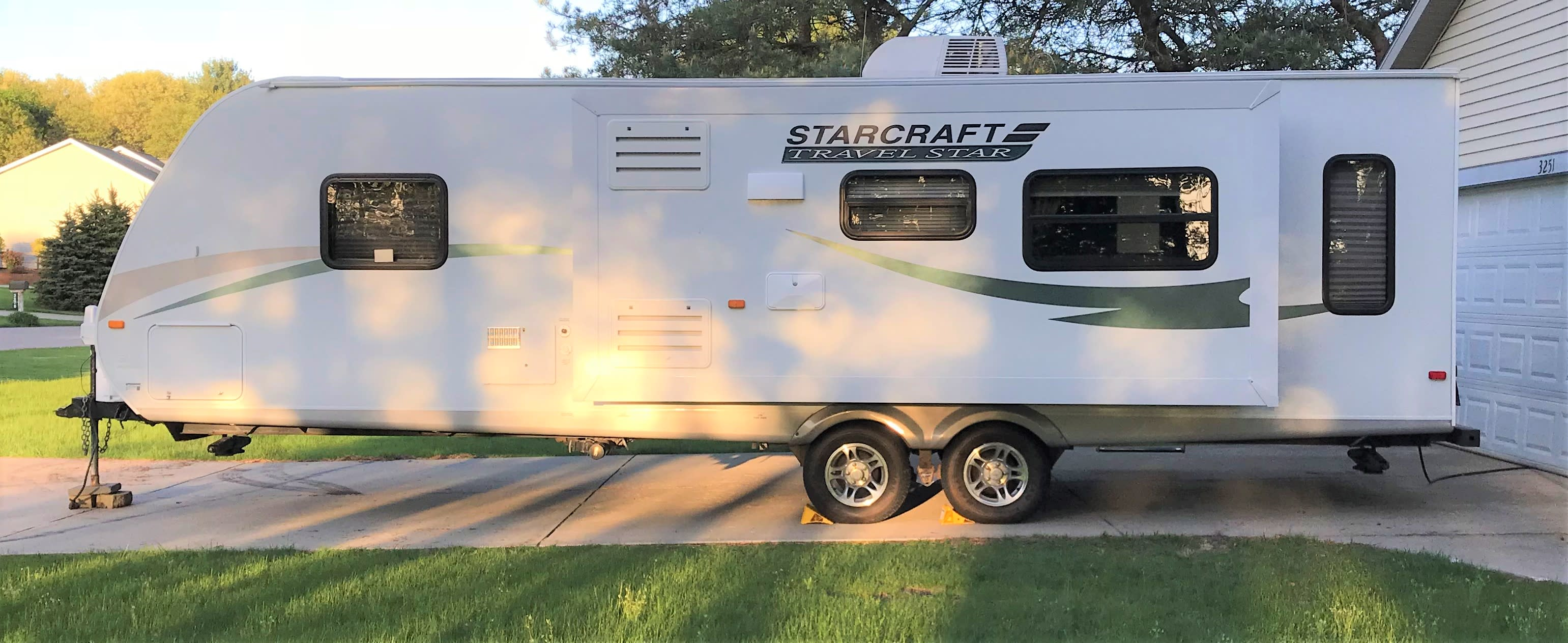 Outdoor show located on this side of the unit. Starcraft Travel Star 2011