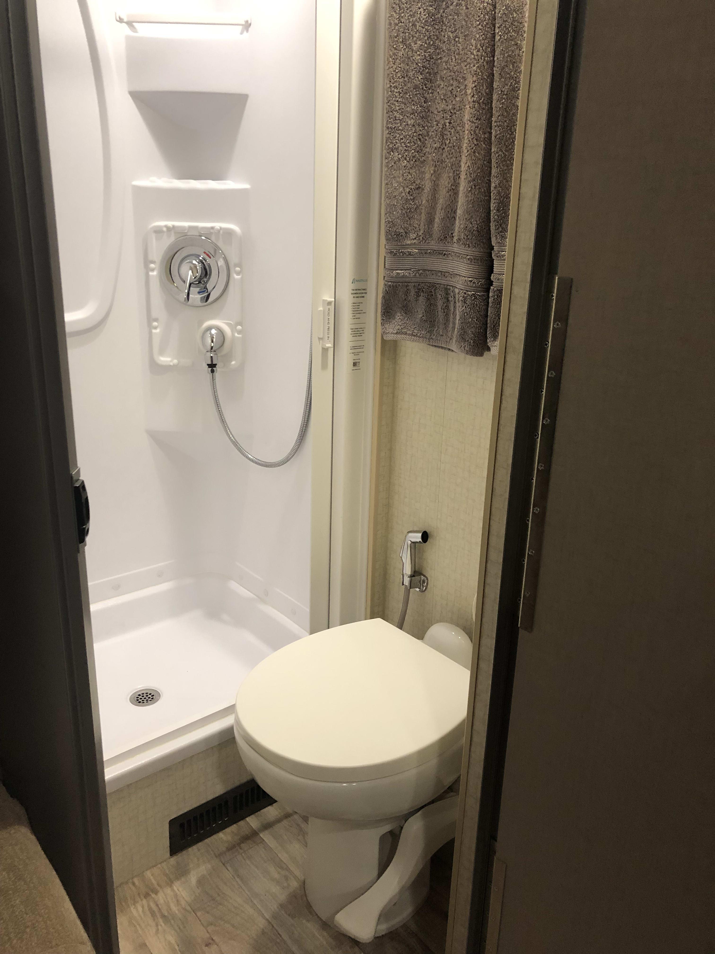 Separate toilet and shower. Winnebago View 2017