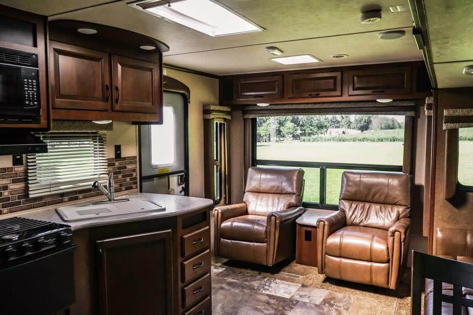 When backed into a site, this large window will give you the perfect Panoramic  view.. Jayco Jay Flight 2015