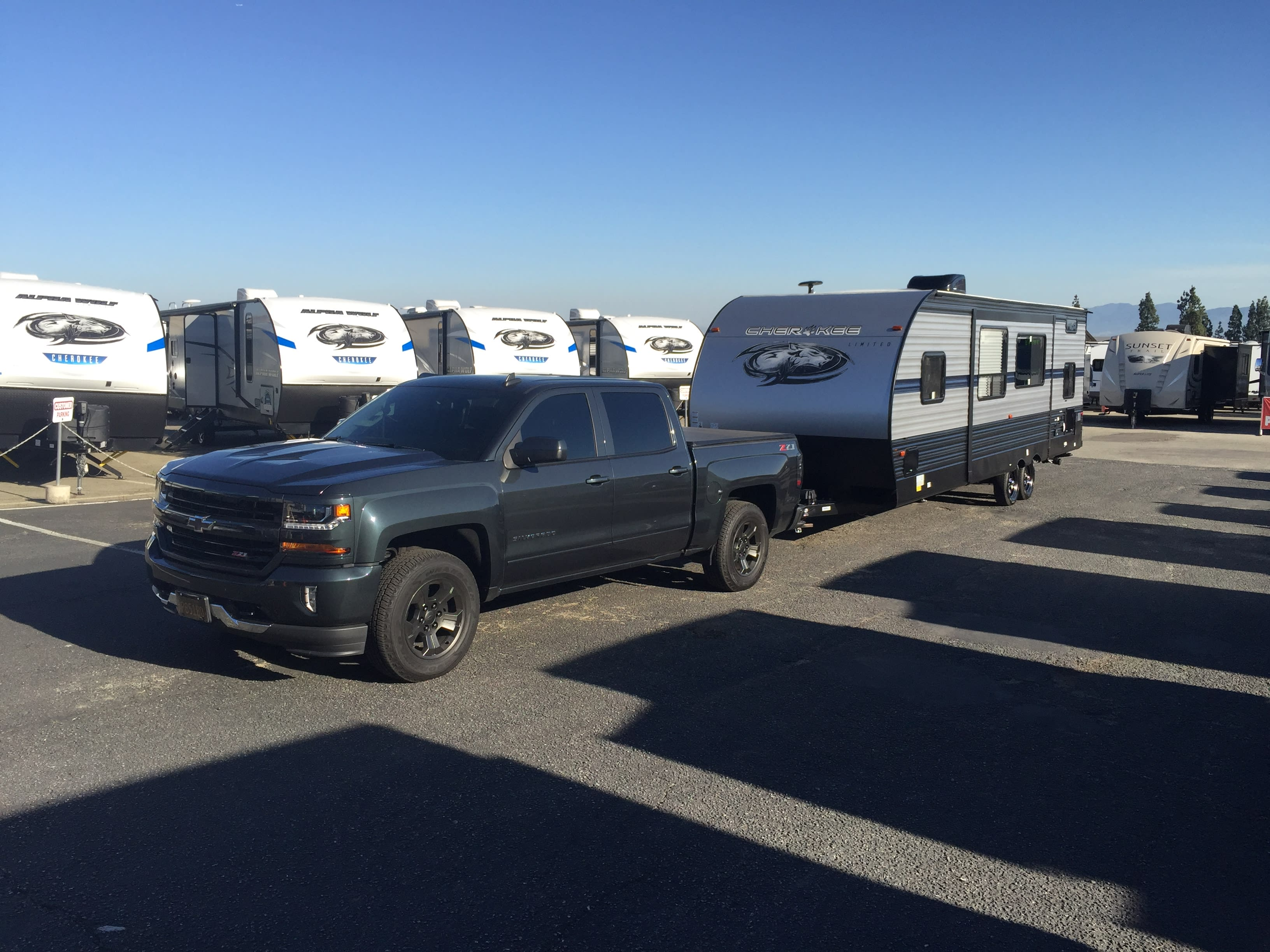 Towable with a 1500 truck or full size SUV! Weight distribution hitch included for stock height vehicles.. Forest River Cherokee Grey Wolf 2019