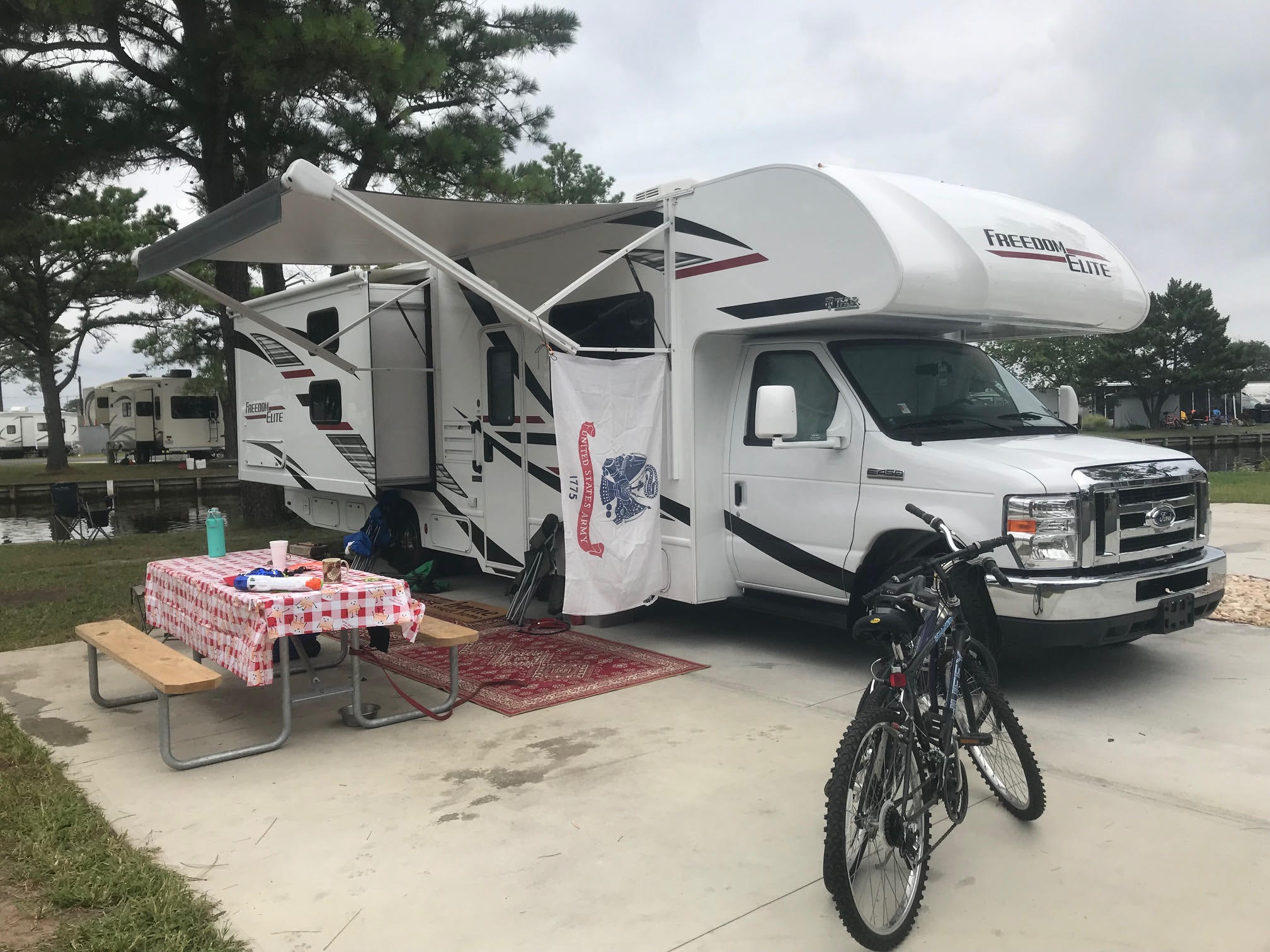 Set up and ready to go in Delaware! Great adventures await!!. Thor Motor Coach Freedom Elite 2020