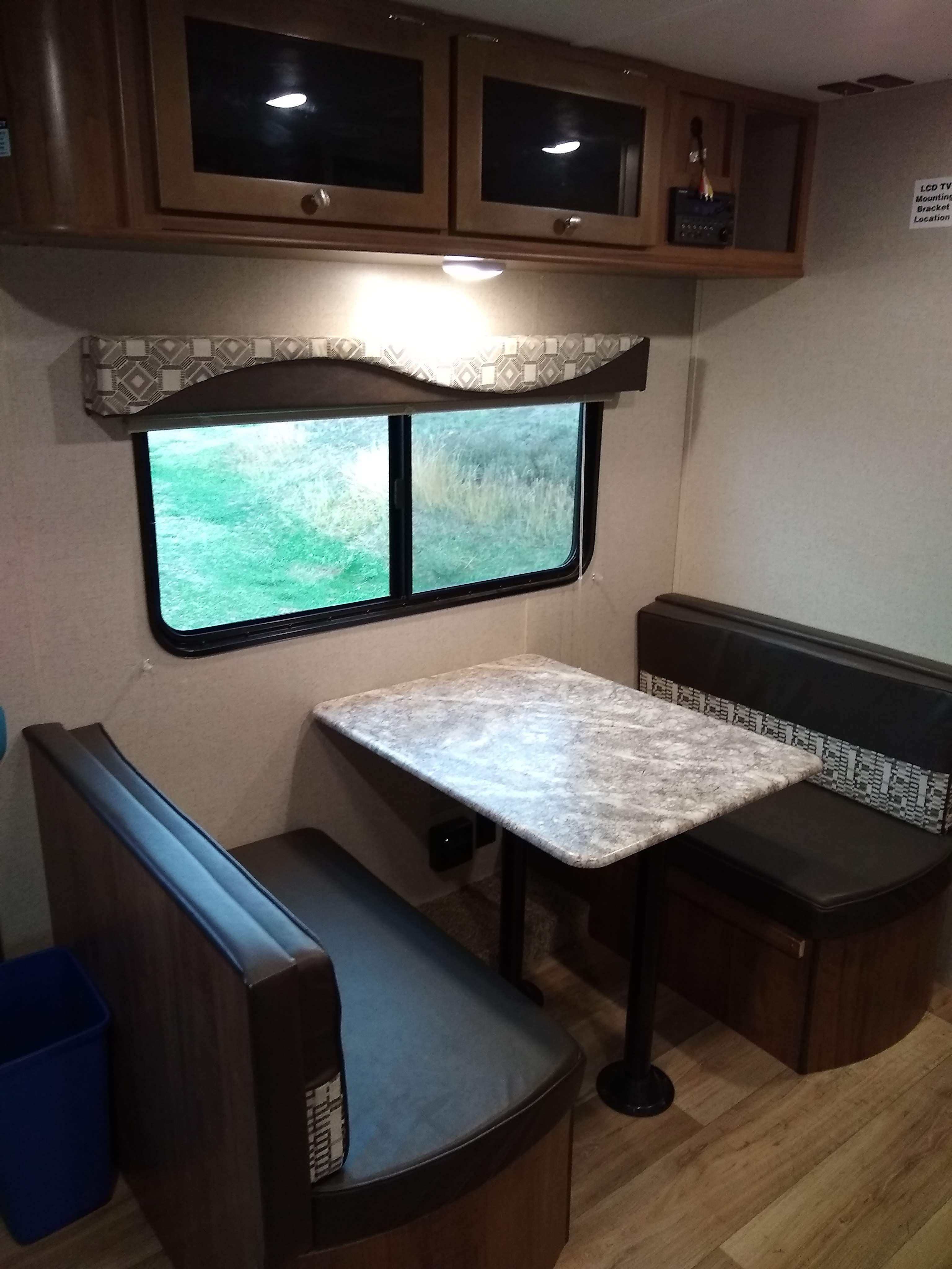Dining table drops for an extra bed. Dutchmen Aspen Trail 2019