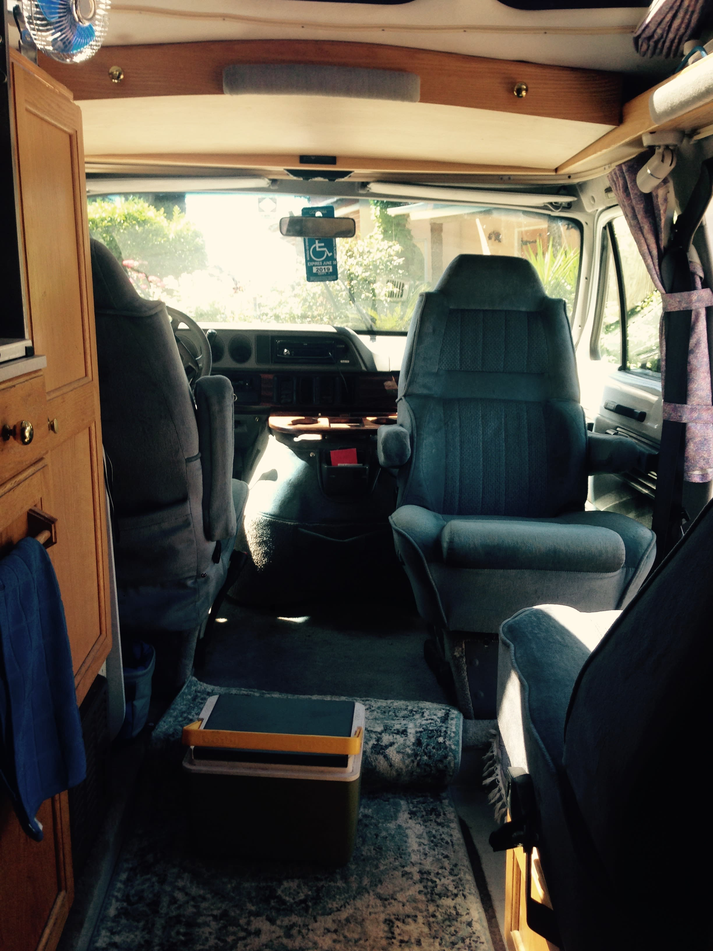 Captain's chair swiveled to rear. Roadtrek 190 Popular 1998
