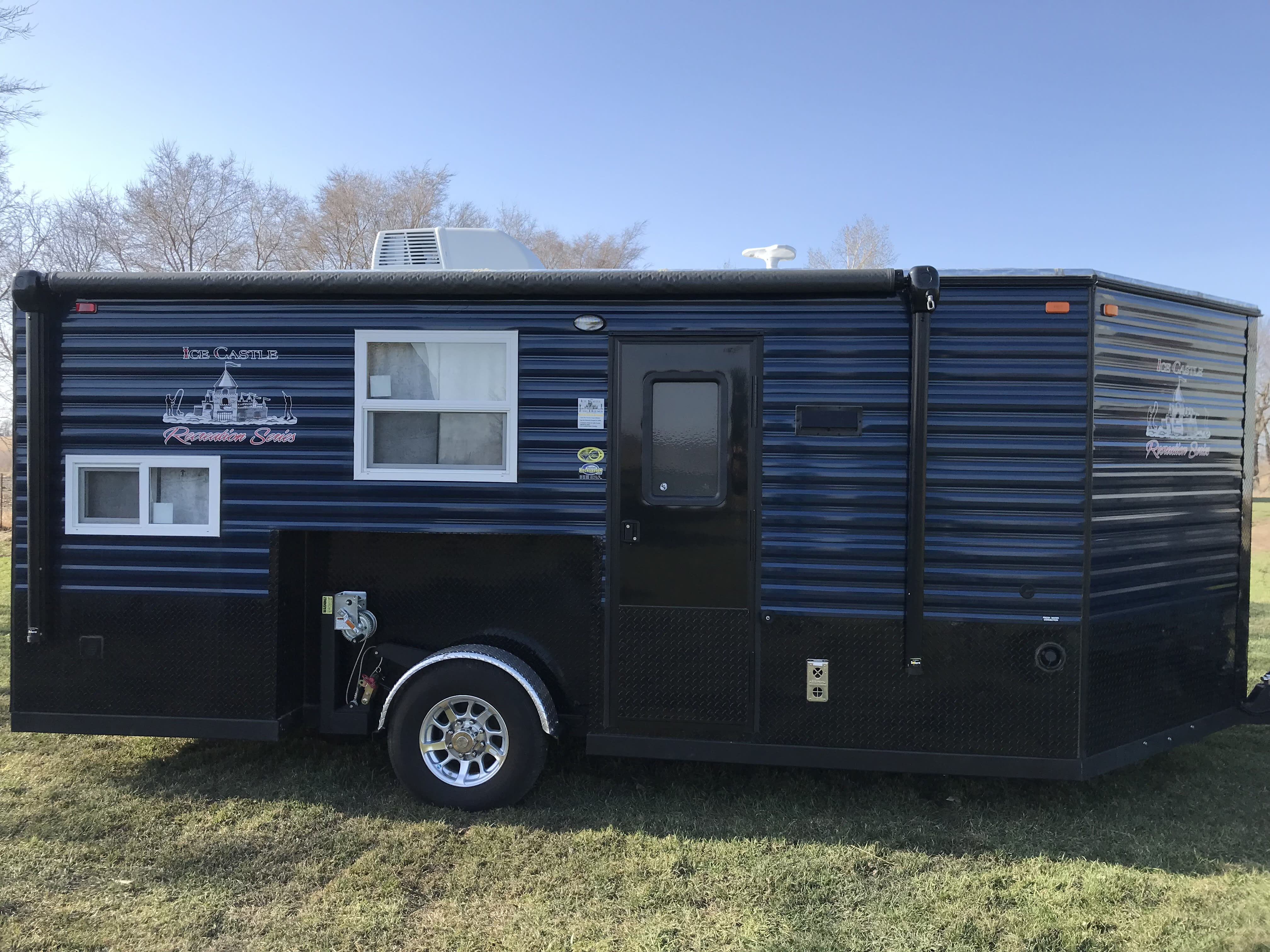 Ice Castle Fish Houses Rv Edition Standard 2018
