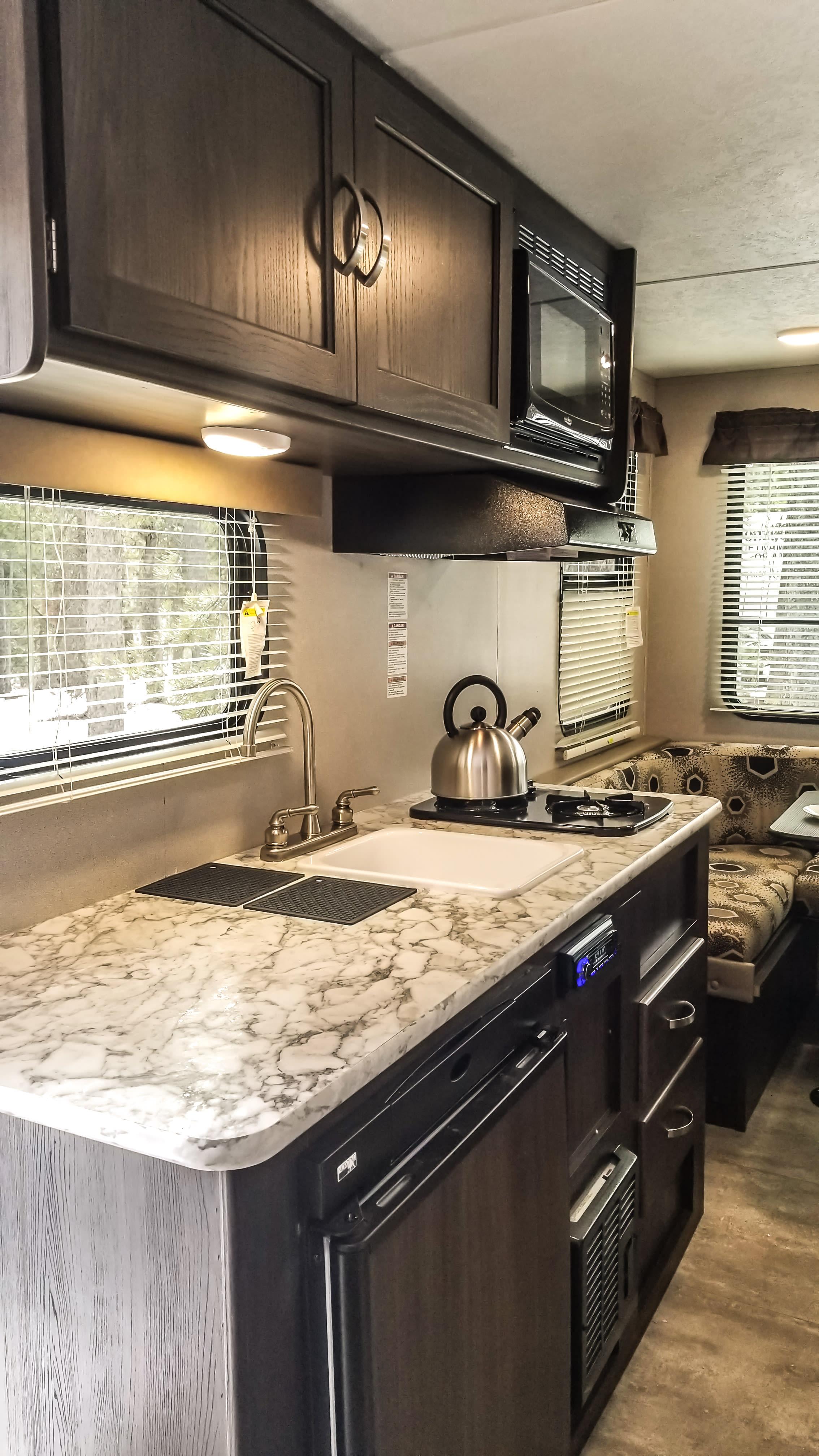 Kitchen. Keystone Springdale 2018