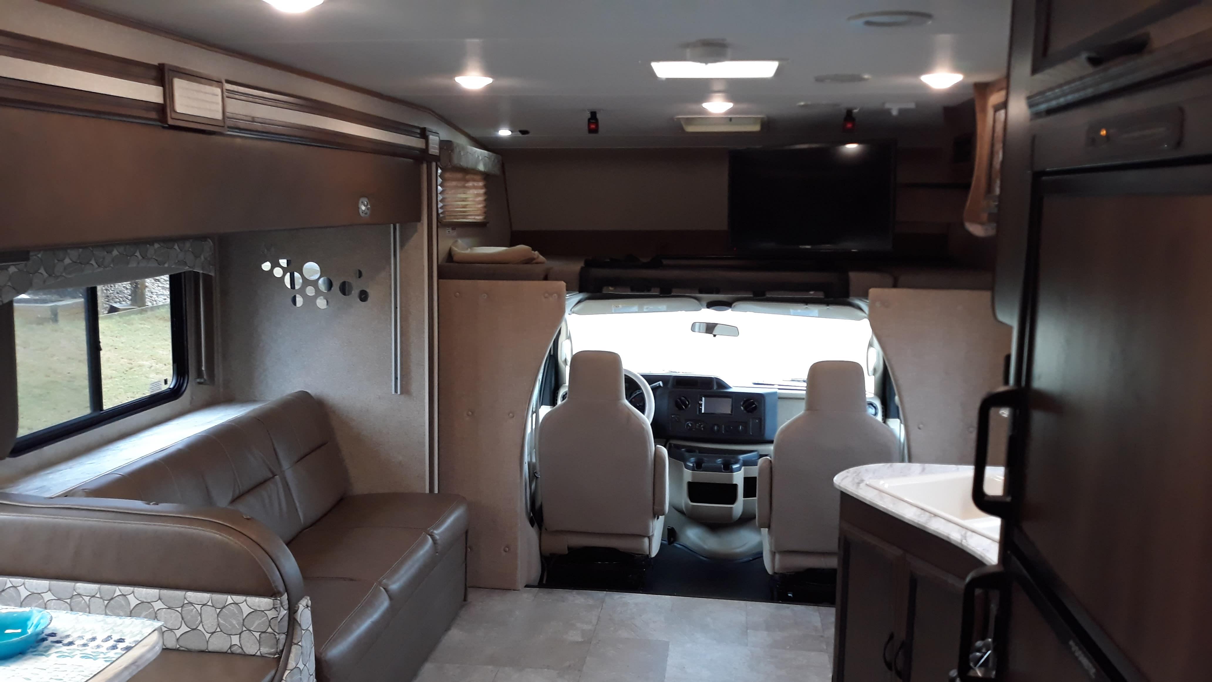 Seating & Driving Cabin. Coachmen Freelander 2018