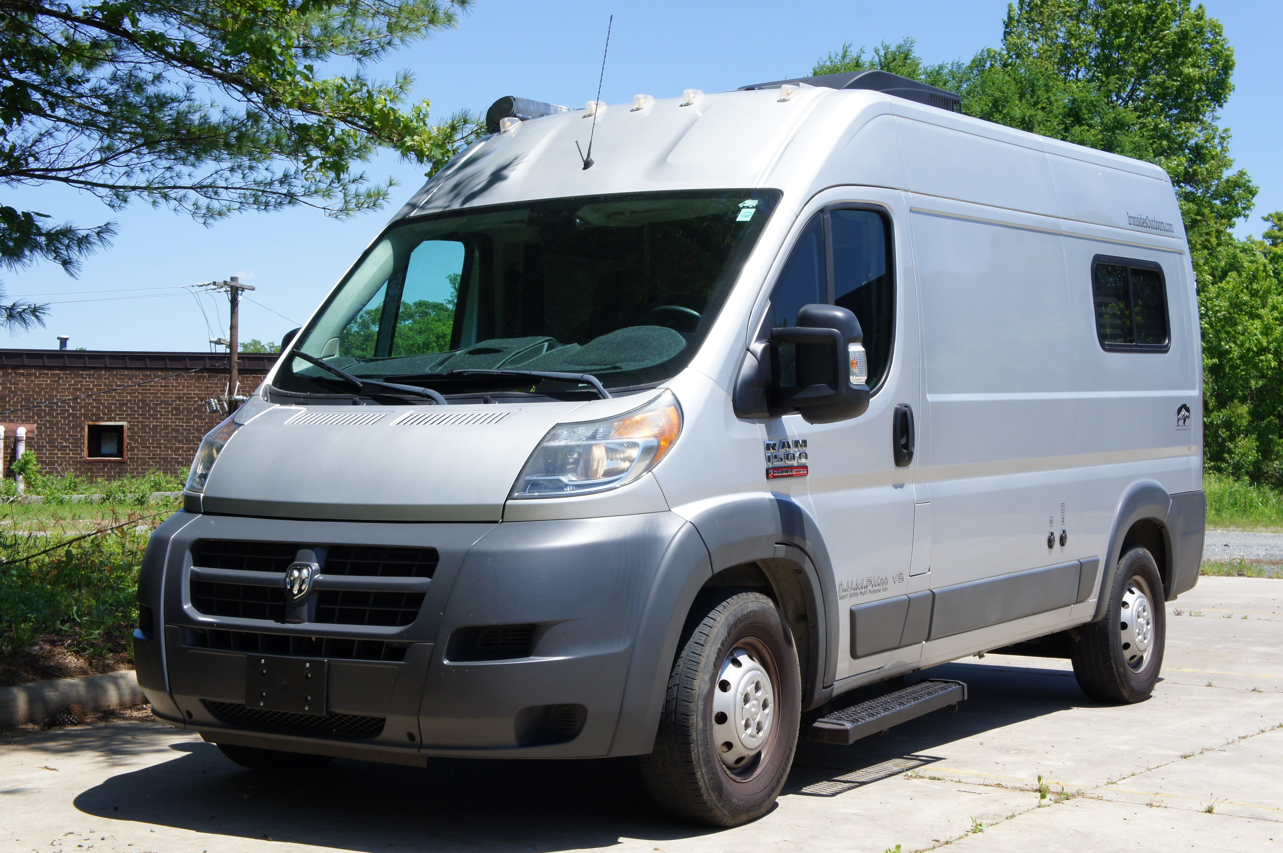 Front Profile. Dodge Promaster 1500 2016