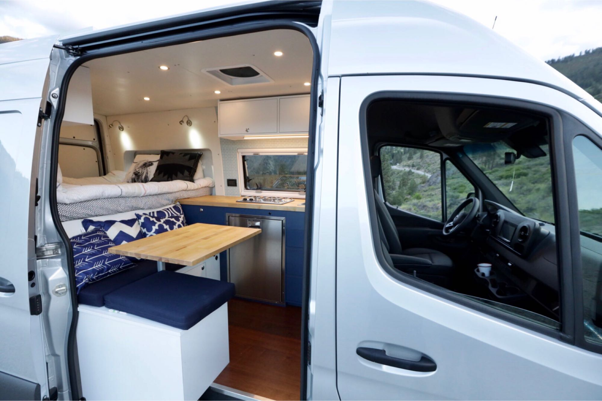 Make meals simple, or go all out with everything you need to make a gourmet meal. Mercedes-Benz Sprinter 2019