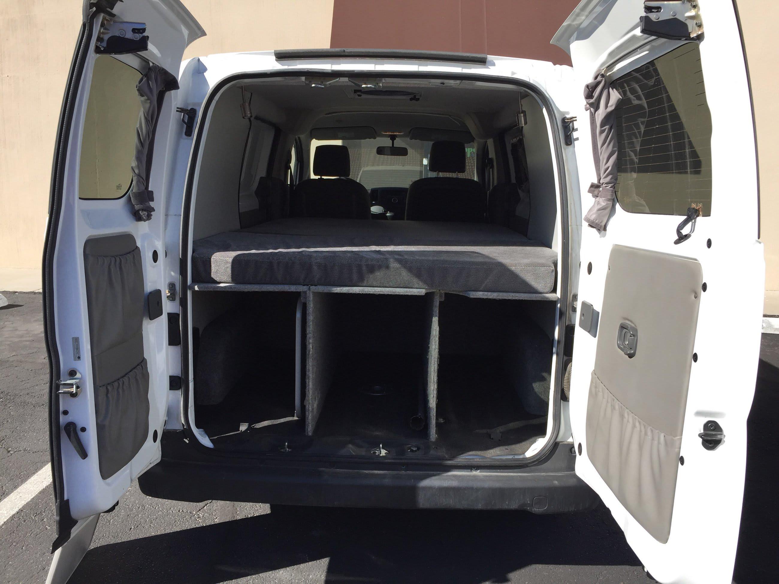 Nissan Civilian 2014
