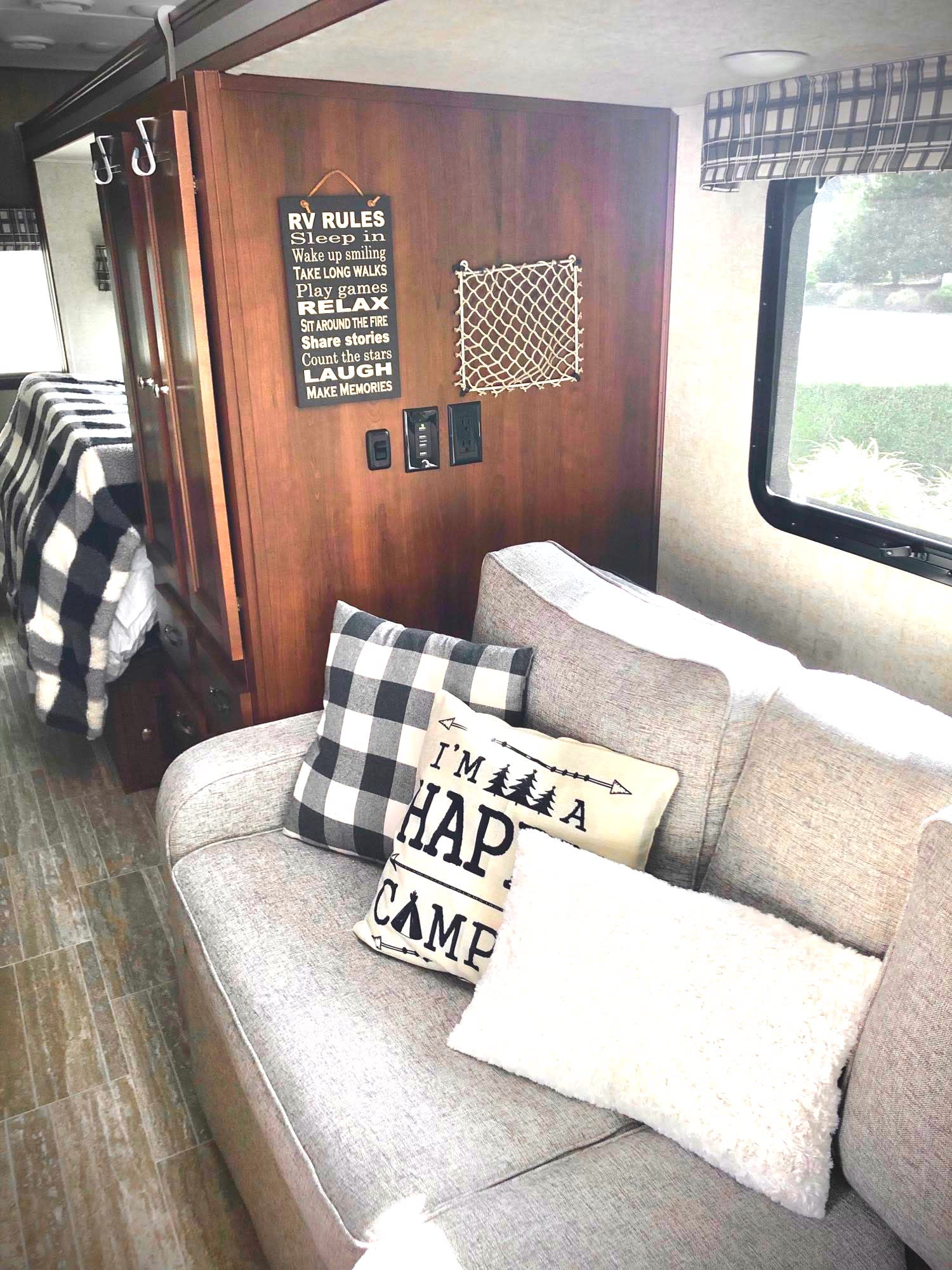 Welcome to glamping!. Forest River Sunseeker MBS 2019