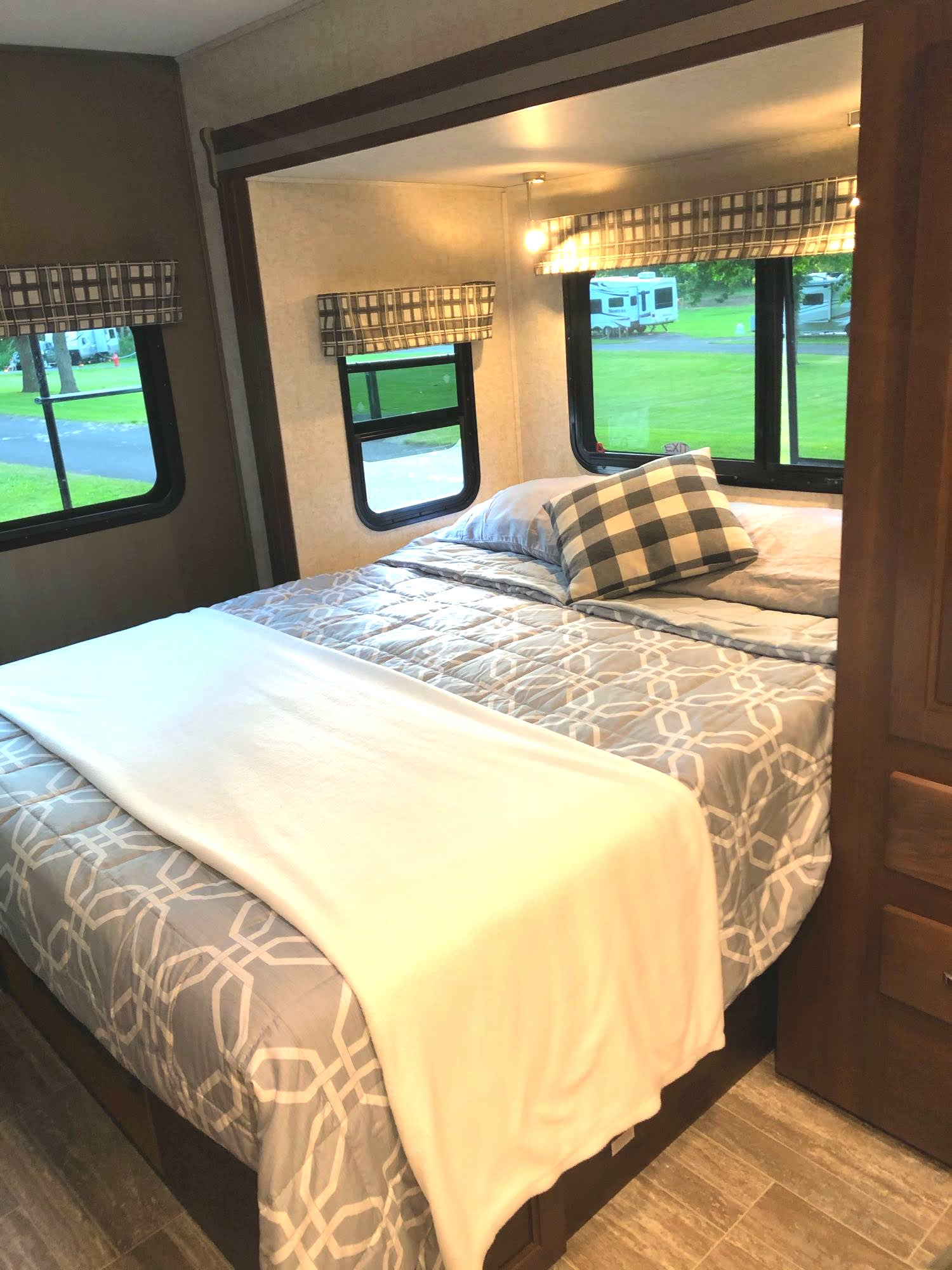 Queen sized bed, comfy and inviting.. Forest River Sunseeker MBS 2019