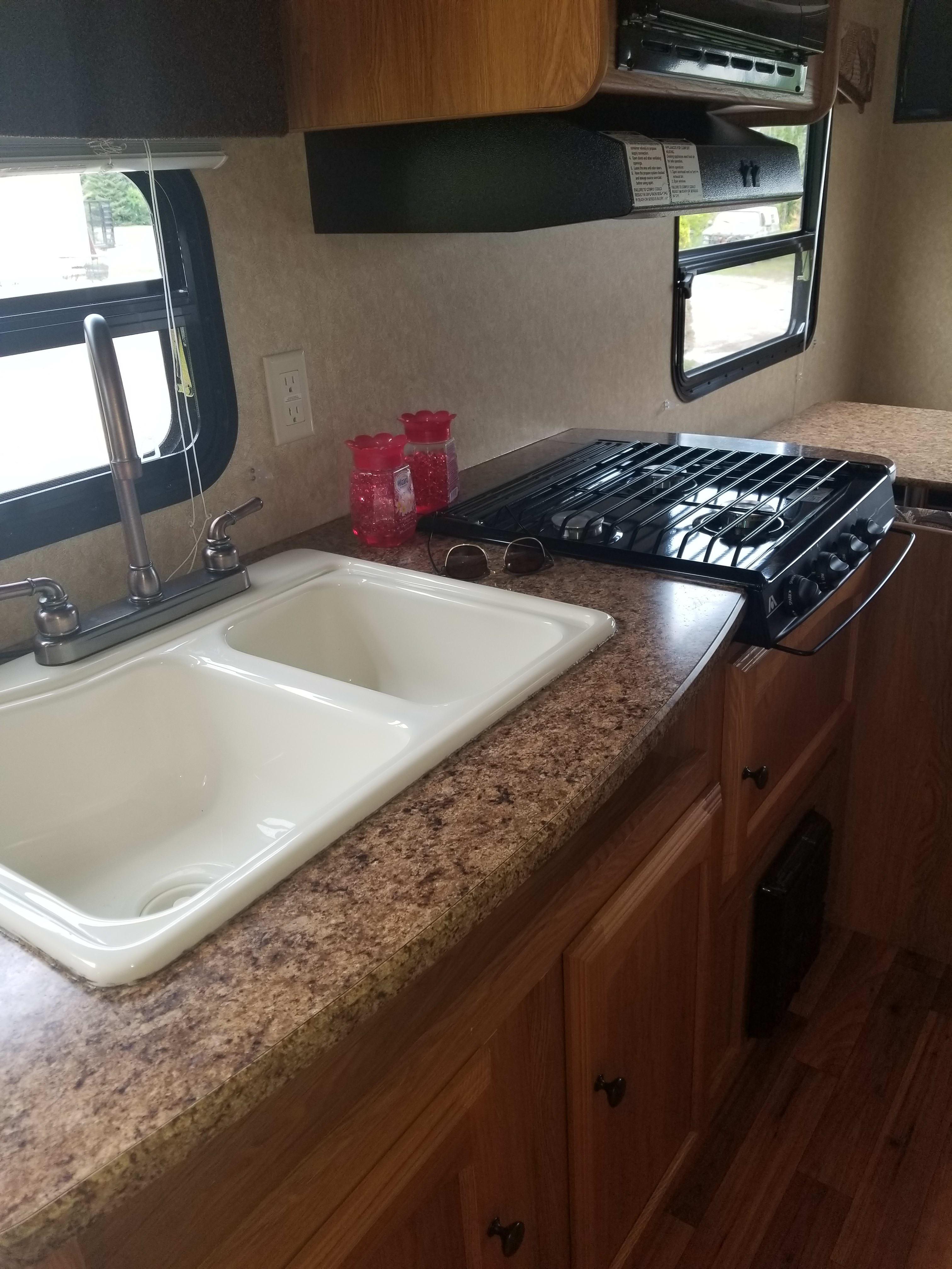 2 sinks with gas range. Dutchmen Coleman 2012