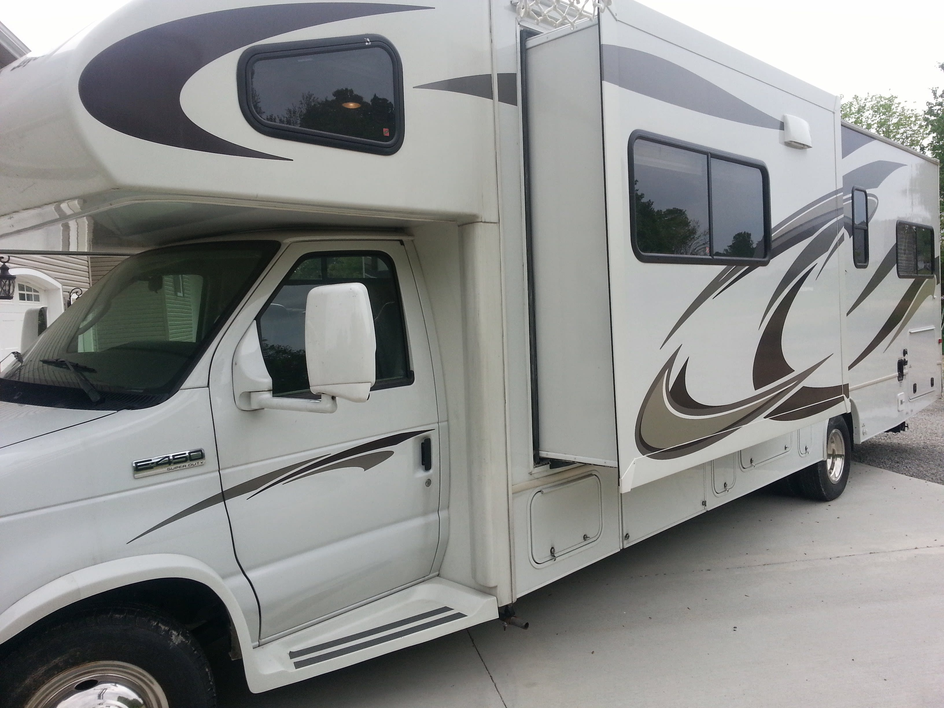 Drivers side view. Jayco Greyhawk 2012