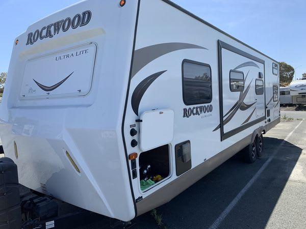 Forest River Rockwood Ultra Lite 2016