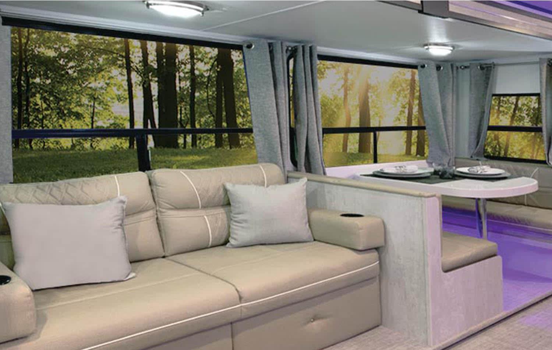 Lounge & Dinette. Travel Lite Evoke B 2020