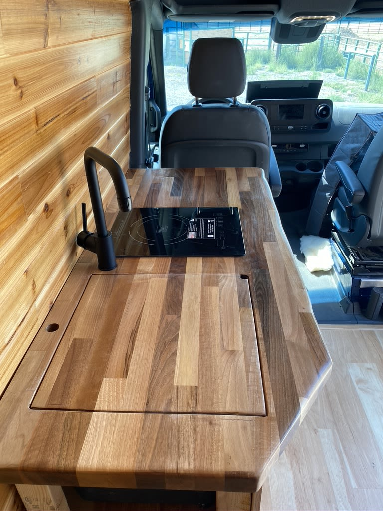Butcher-block countertop. Mercedes-Benz 4x4 Sprinter mwb 2019