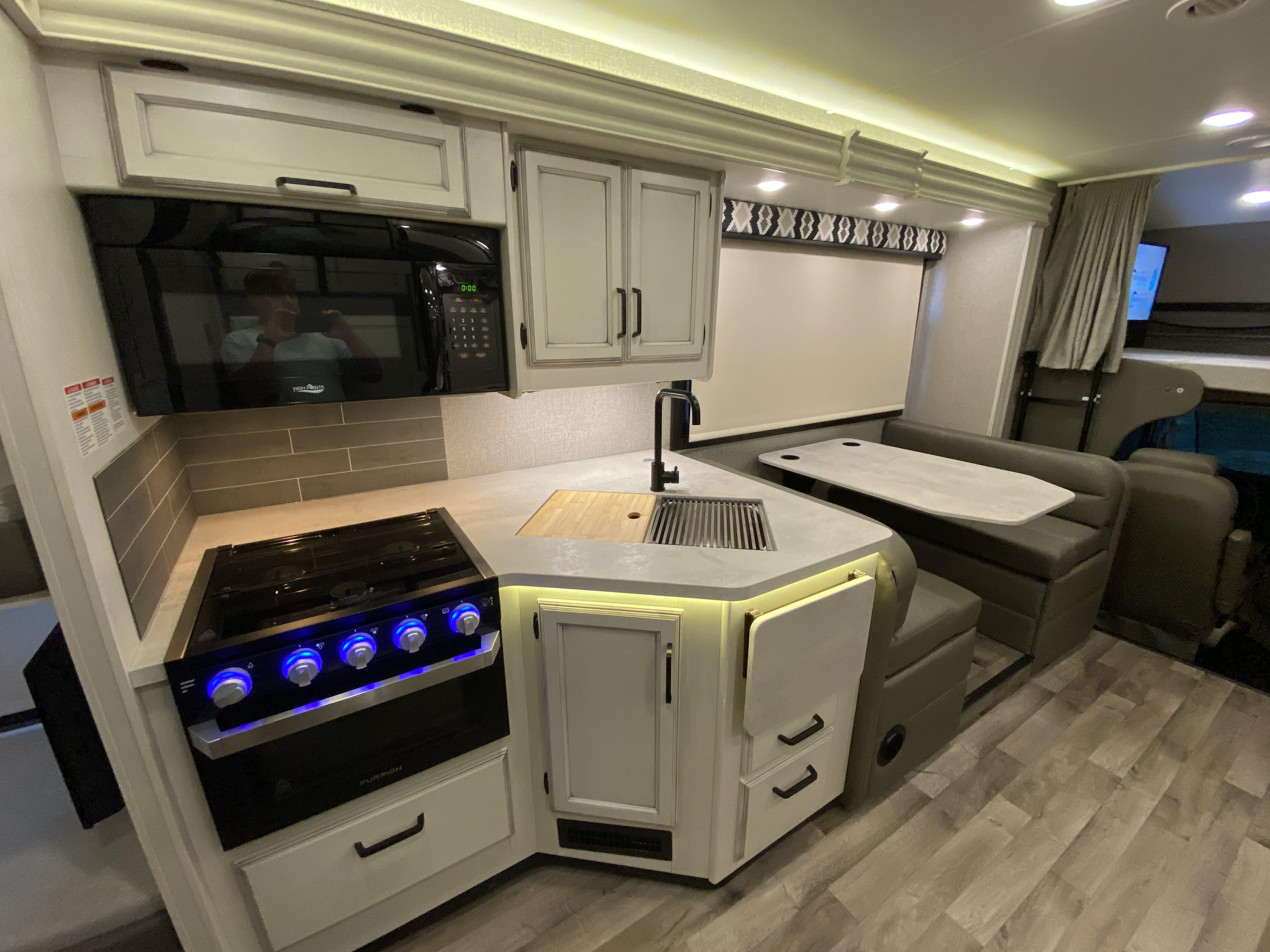Kitchen. Jayco Greyhawk 2021