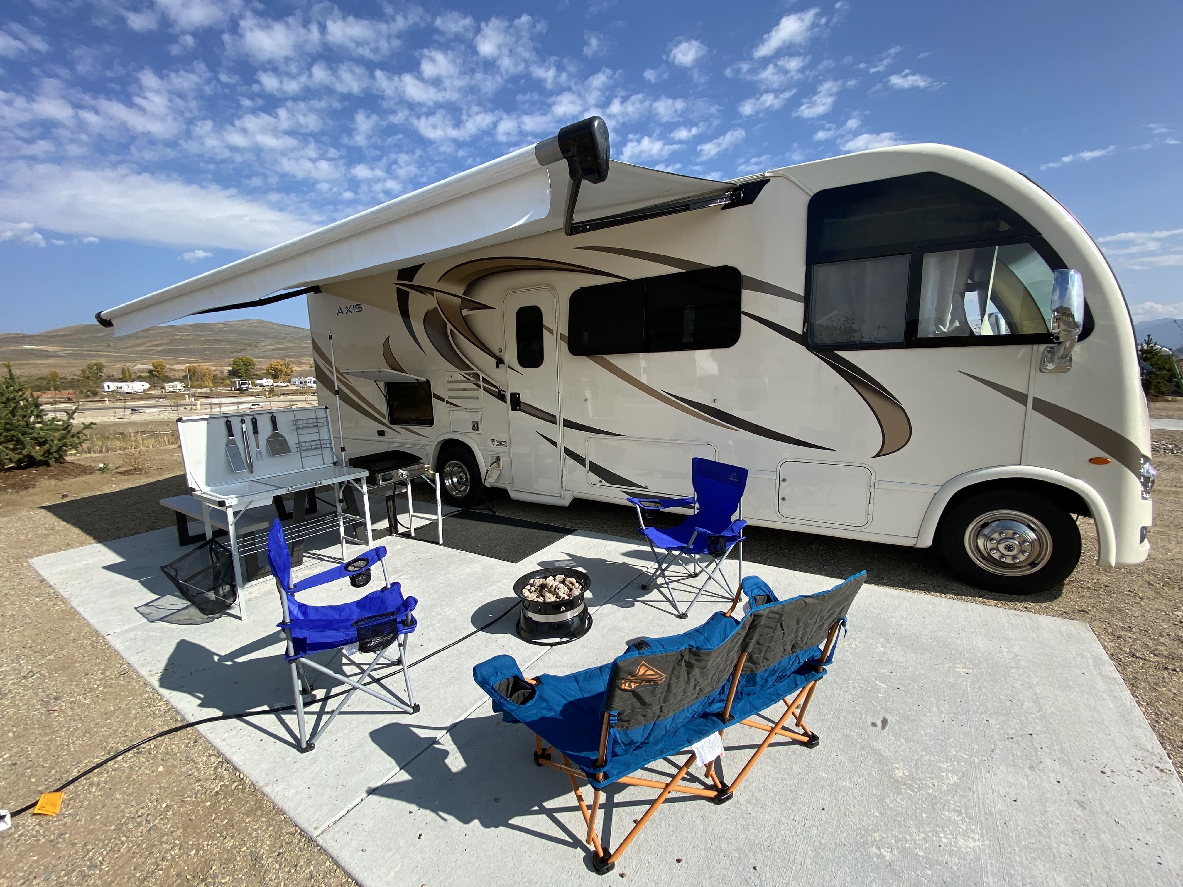 Park, level, deploy awning, and camp! (Shown with optional FREE add-ons). Thor Motor Coach Axis 2019