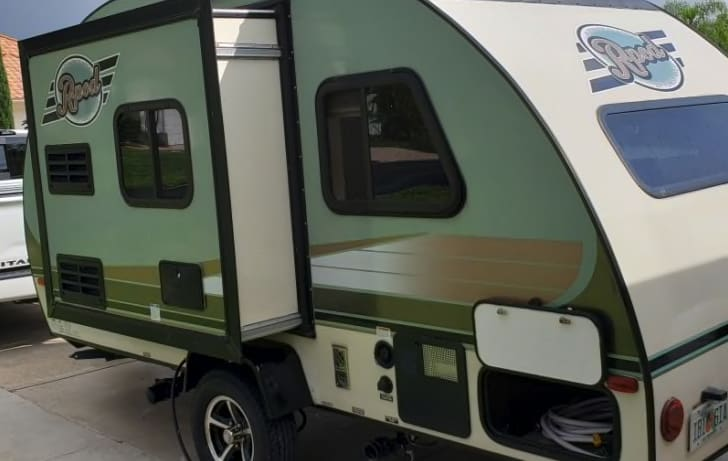 Easy to tow. Forest River R-Pod 2016