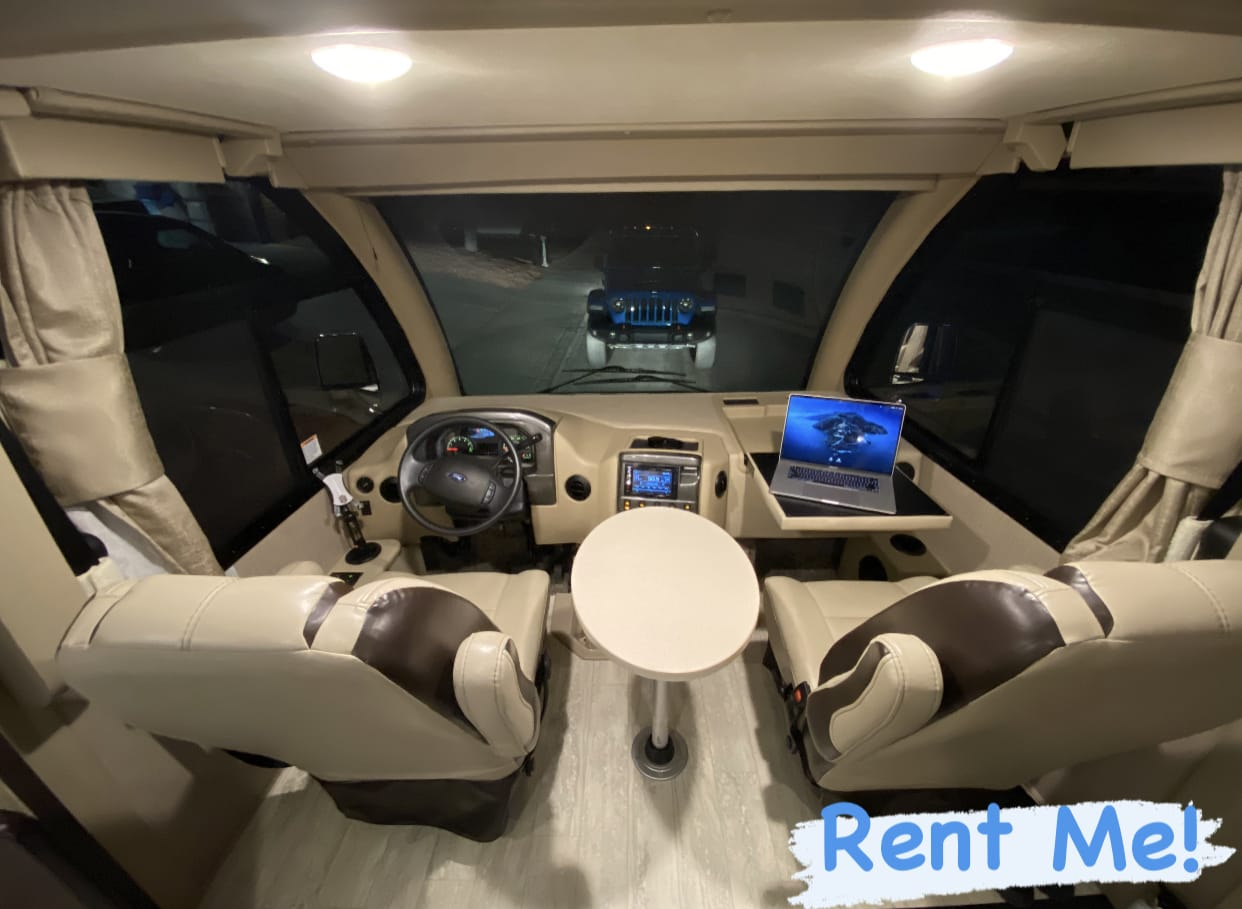 HUGE Windshield with work desks and table!. Thor Motor Coach Axis 2020