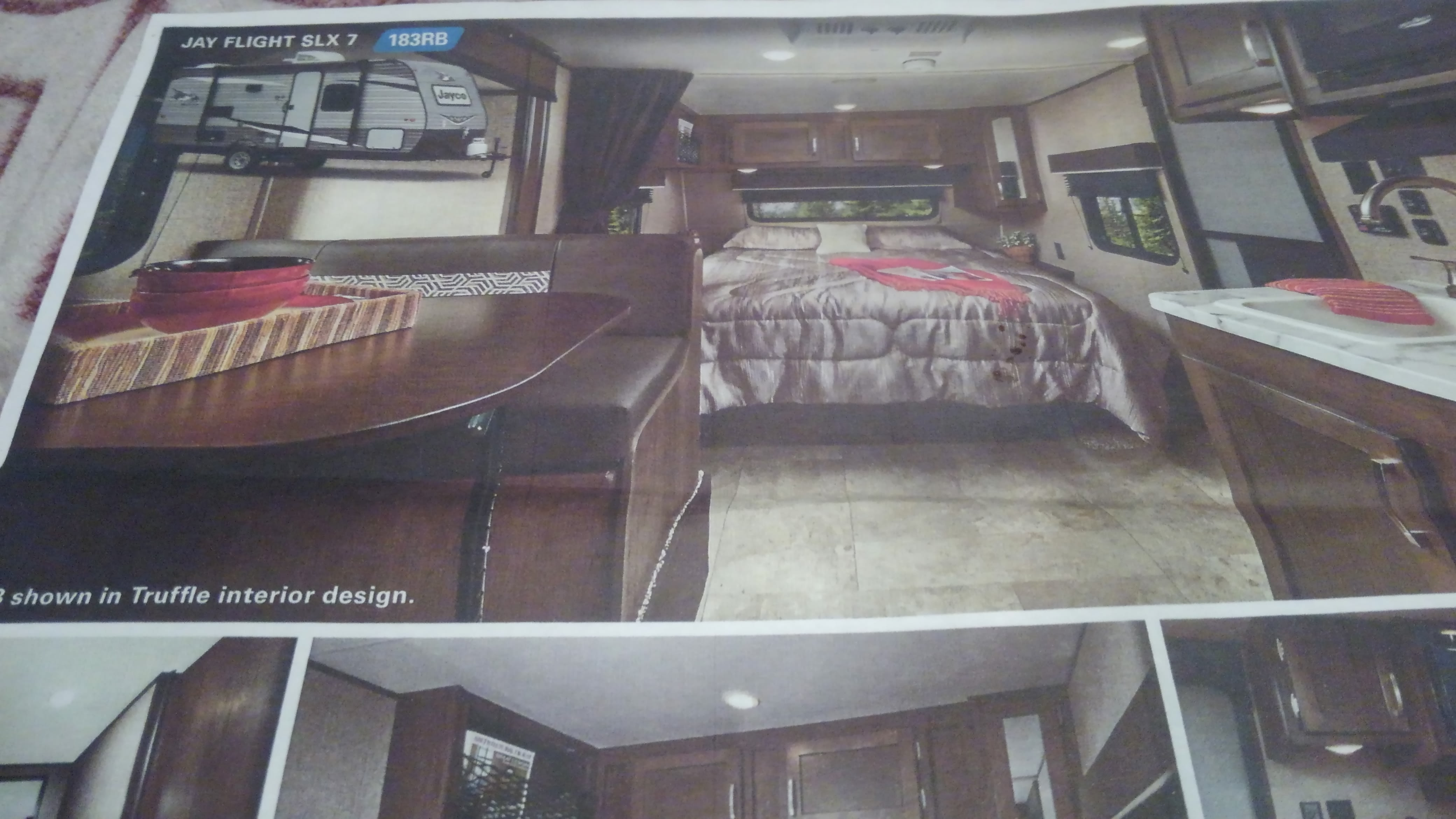 Dose not come with bedding due to covid-19. Jayco Jay Flight 2020