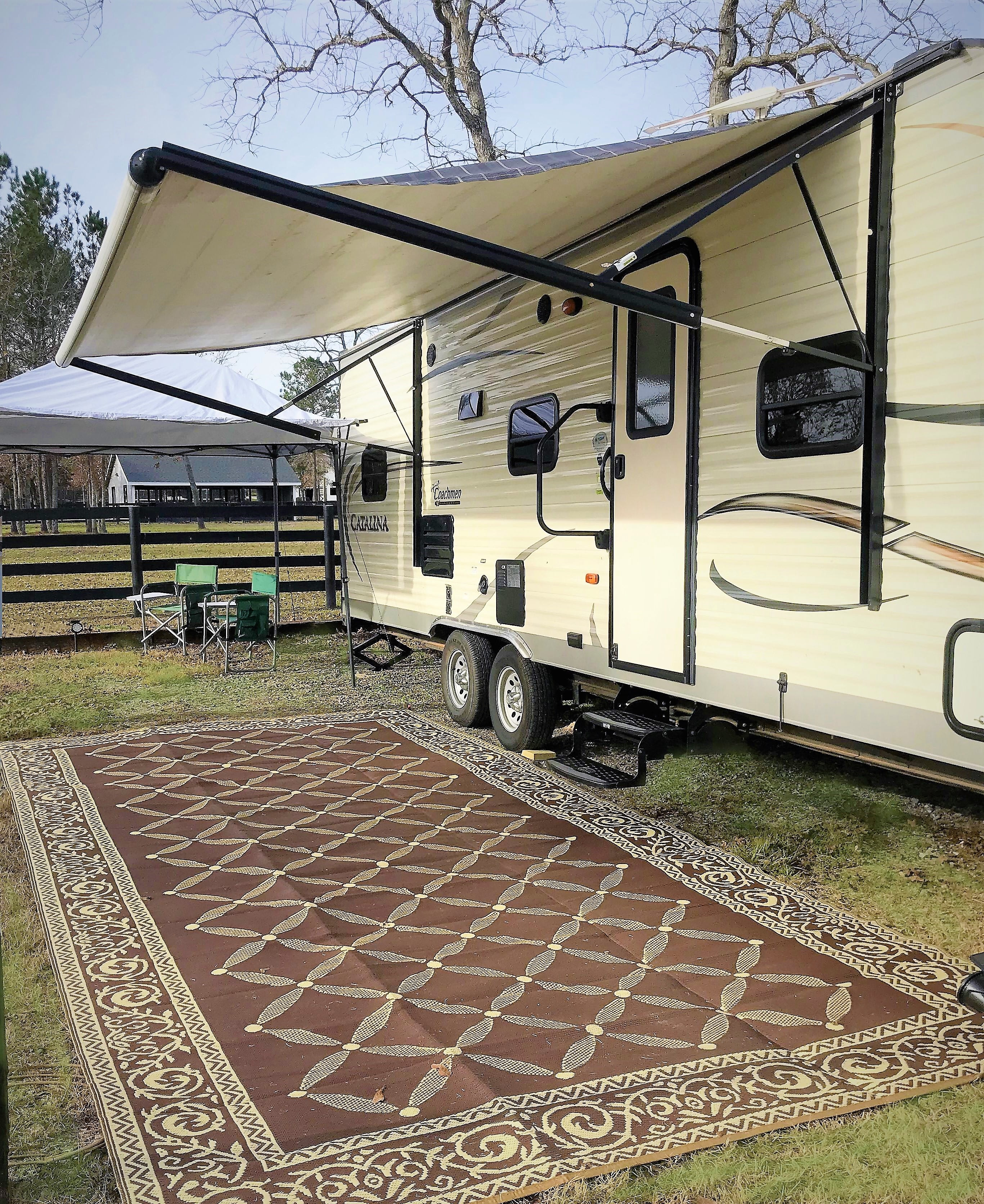 With the 10 x 17 tent set up along with the rv awning there's tons of out door space for grilling and relaxing.. Coachman Catalina 2016