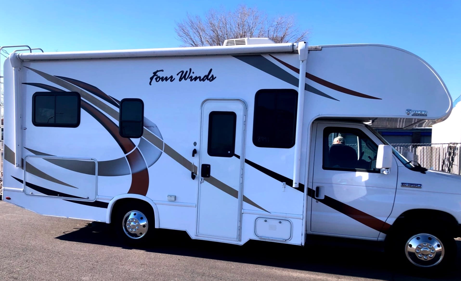 nearly new 23 foot class C. Ford Fourwinds 2019