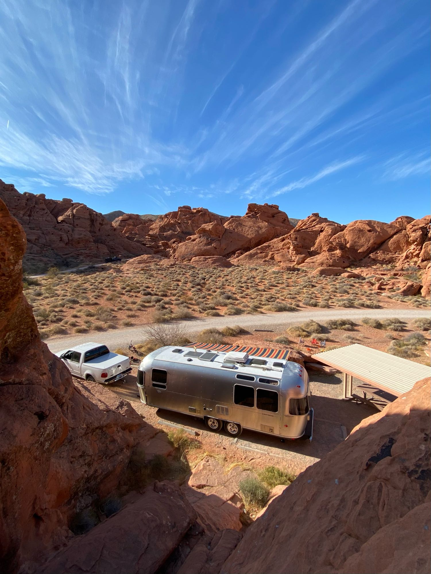 Here is the airstream parked at one of our favorite camping spots, Valley of Fire State Park (1 hour north of Las Vegas).. Airstream Safari 2007