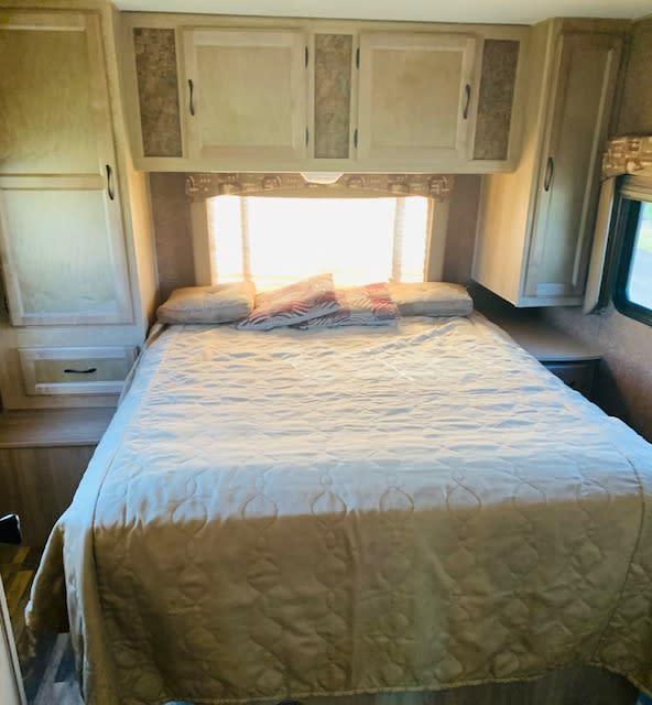 Queen bed in Master Bedroom!. Coachmen Freelander 2015