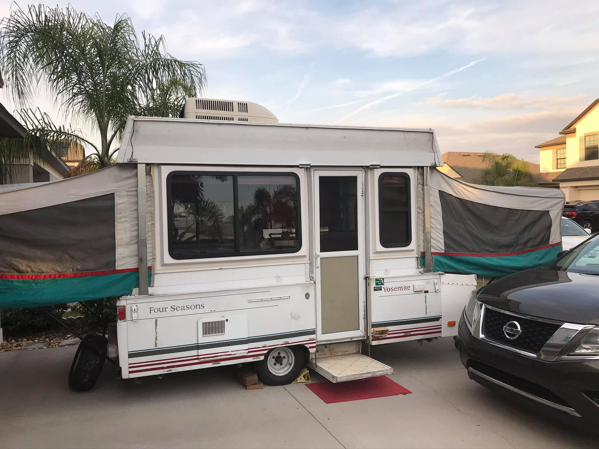 This is what the camper will look like when full assembled . Coleman Yosemite- Four Seasons 1994