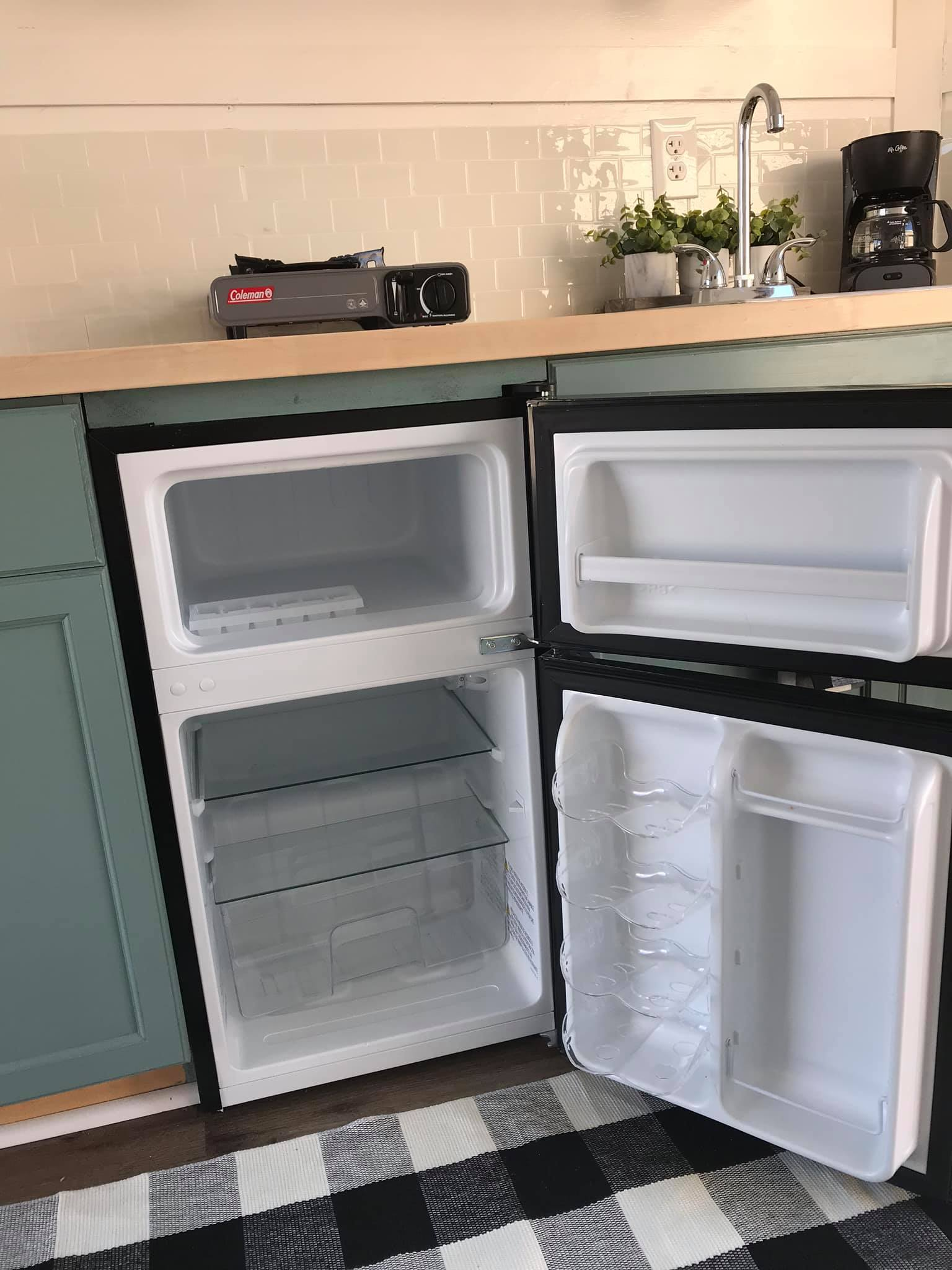 Refrigerator comes with a freezer as well. Covered Wagon EV7-14T3-R 2018