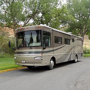 2005 Winnebago Journey Motor Home Class A Rental In Green