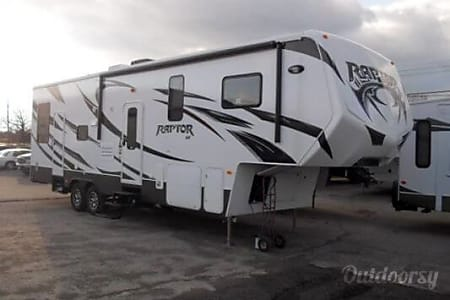 035′ Raptor 5th Wheel  Phoenix, AZ