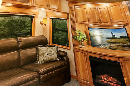 2015 Drv Mobile Suites  Wake Forest, NC