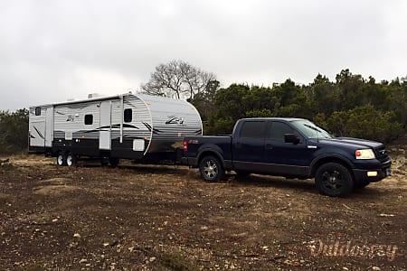 02015 Crossroads Z-1 328 SB BUNK HOUSE  Leander, TX
