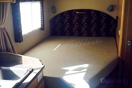 02011 Adventurer Lp Adventurer PMH 12  Avondale/Phoenix, AZ