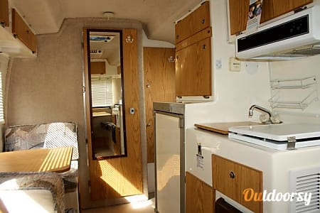 Cute Casita Fiberglass Trailer - Everything you need in 17 ft!  Sturgeon Lake, MN