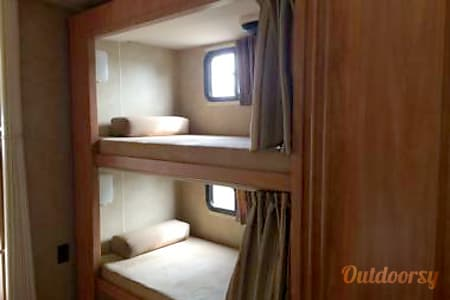 2008 Winnebago Vista 32  Covington, WA
