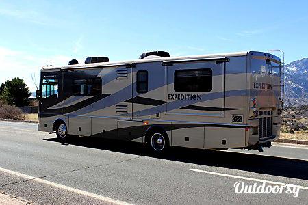 Fleetwood Expedition Luxury Diesel w/ 3 slides - AZ  Mesa, AZ