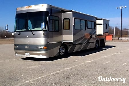 Western Alpine Coach Diesel w/ 2 slides - AZ  Mesa, AZ