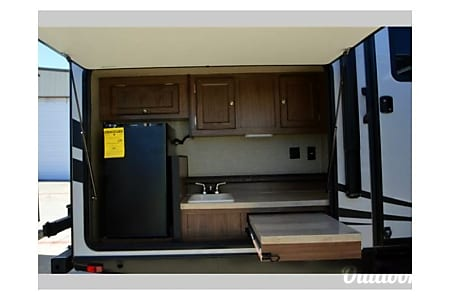 Texas Edition! 2015 Palomino Solaire Ultra Lite - 1/2 ton towable - BUNKS/Spare room! SLEEPS 10  Sugar Land, TX