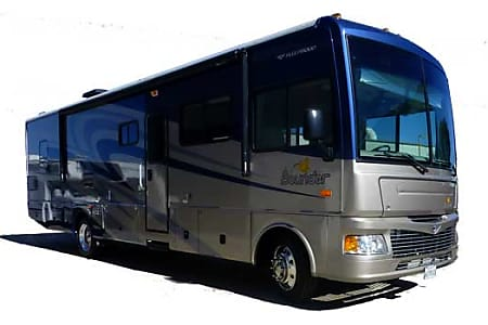 034' Fleetwood Bounder With Dual Slide-Outs (36)  San Marcos, CA